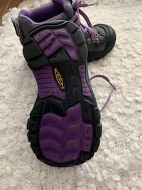 Keen girl boots in good condition size 10-11 Brampton, L6T 2W8