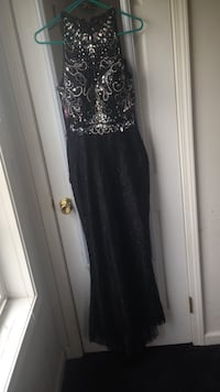 Black and silver sequin boat neck sleeveless maxi dress Seaford, 19973