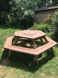 Octagon Picnic Table London, N5W 1X9