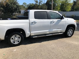 Toyota Tundra SR5 wheels and BFGoodrich ko2 tires
