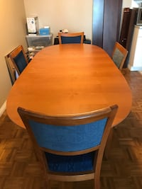 Italian made Dining Table with detachable leaf + 4 chairs