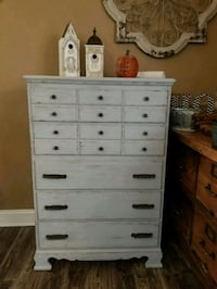 Weathered and distressed 5 drawer dresser  Plainfield, 60544
