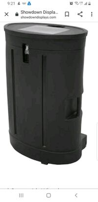 All in one carry case with wheels and flower wall display Toronto, M1N 1R5