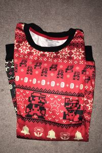 Nintendo Xmas sweater large Richmond Hill, L4C 0G3