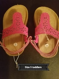toddler's pair of brown-and-pink sandals Bowling Green, 42101