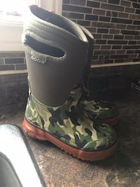 Bogs boys size 9 (child) Brampton, L6X 4T3