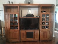 Entertainment Center w/lots of storage. Purchase from Hurwitz Mintz. Excellent Condition. Asking $600 Destrehan, 70047