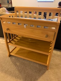 Baby changing table with mattress Pennsburg, 18073