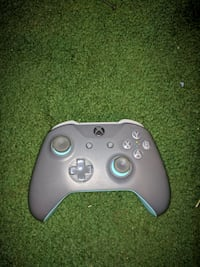 New Xbox one controller only no battery included. Price is negotiable
