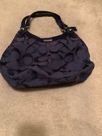 Coach Signature Handbag (hobo) Waldorf, 20602