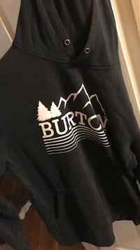 Medium Burton black sweater Winnipeg, R3G 3A1