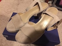 Stuart weitzman sandals 8M new Fairfax, 22032