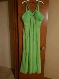 formal dress no damage   Wichita, 67203