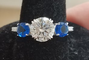 Genuine Sapphire Solitaire Gorgeous Stunning ring