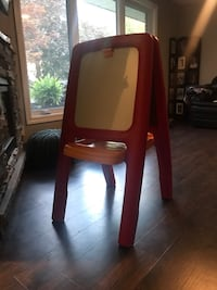 Step 2 Easel For 2 -Red