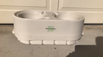 Store N feed dog food container