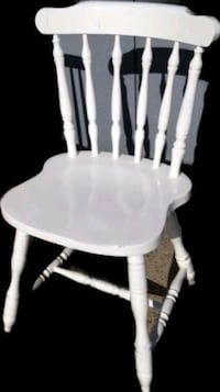 ALL WHITE WOODEN CHAIR Edmonton, T6R