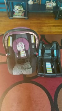 baby's black and gray car seat carrier Woodlawn, 20737