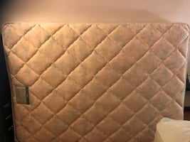 Queen mattress very good condition spring bed