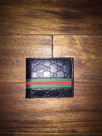 black Gucci leather wallet (with box)