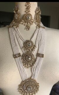 White and Gold Indian jewellery Toronto, M9V 4Z7