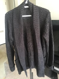 black and gray long-sleeved cardigan Winnipeg, R3J 0R2
