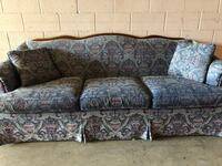 Vintage Sofa (DELIVERY INCLUDED) Beaverton, 97006