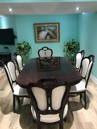 TABLE AND CHAIR SET- NEED GONE ASAP!!  Vaughan
