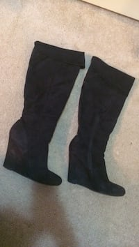 Black  knee high boots Surrey, V3V