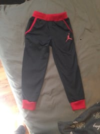 black and red Nike pants Moncton, E1C 6N5
