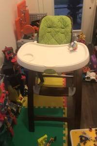 Summer Infant Bentwood High Chair!! Baby. Chair Whitchurch-Stouffville, L4A 1X1