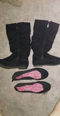 Girl's size 3 boots and flats. Chesapeake, 23324