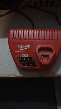 Milwaukee M 12 charger Toronto, M9V 2G4