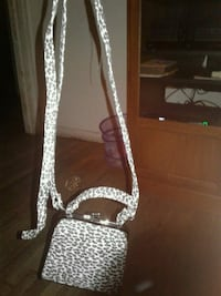 women's white and brown sling bag Amarillo