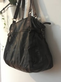 Large Bueno Weekend Bag London, N6B 1E1