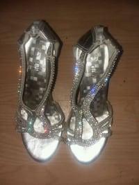 Like new silver-colored open-toe sandals with gems Providence, 02904