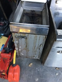 Stainless deep fryer East St. Paul, R2E 0G9