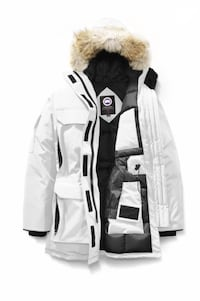 CANADA GOOSE WOMEN'S EXPEDITION PARKA New York, 11365