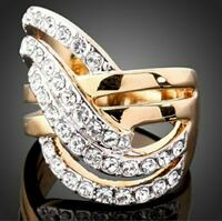 Stunning party ring