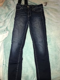 American Eagle Jeans- Size 2 Red Deer, T4P 0L4