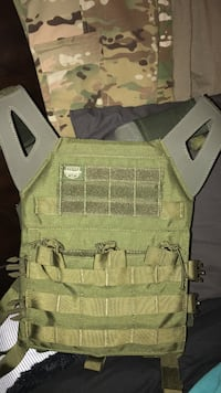 gray and green tactical vest