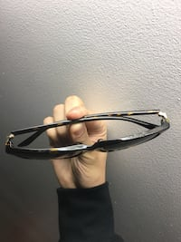 Gucci sunglasses 55 mi