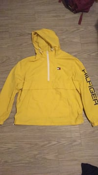 Yellow Tommy Hilfiger Wind Breaker Winnipeg, R2V