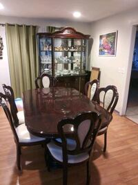 Dinning Room Table With 6 Chairs and China Cabinet