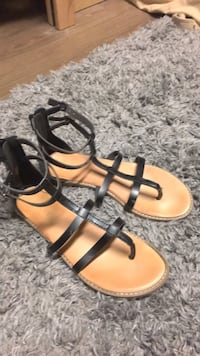 Pair of black-and-brown sandals Conway, 29526
