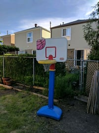 blue and white basketball hoop Vaughan, L4K 1M7