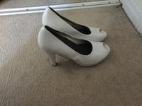 white leather peep-toe pumps Ottawa, K1C