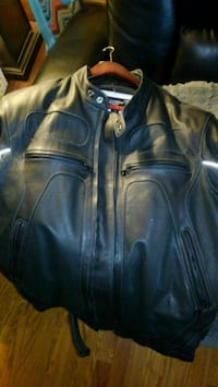 Triumph leather racing jacket Colorado Springs, 80917