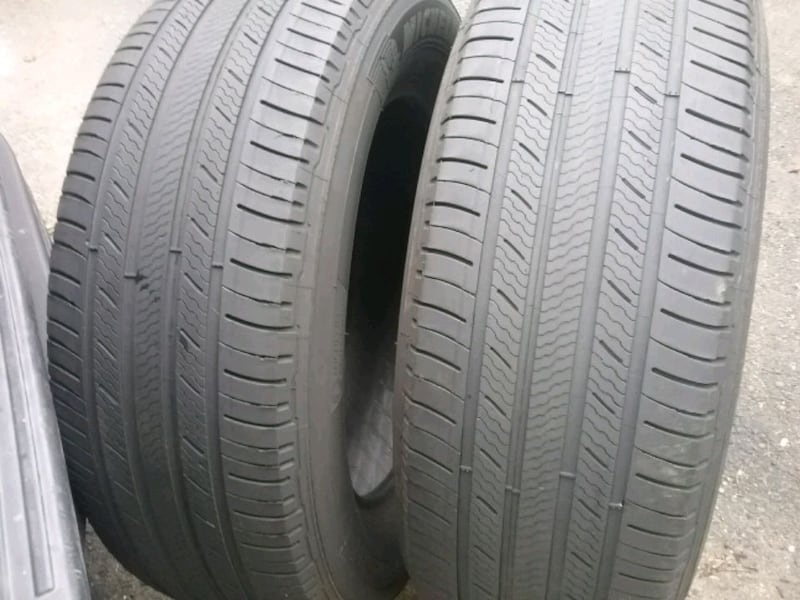 2 Michelin 235 65 18..... tires 4