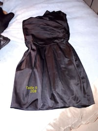 Belle robe bustier. Taille 9